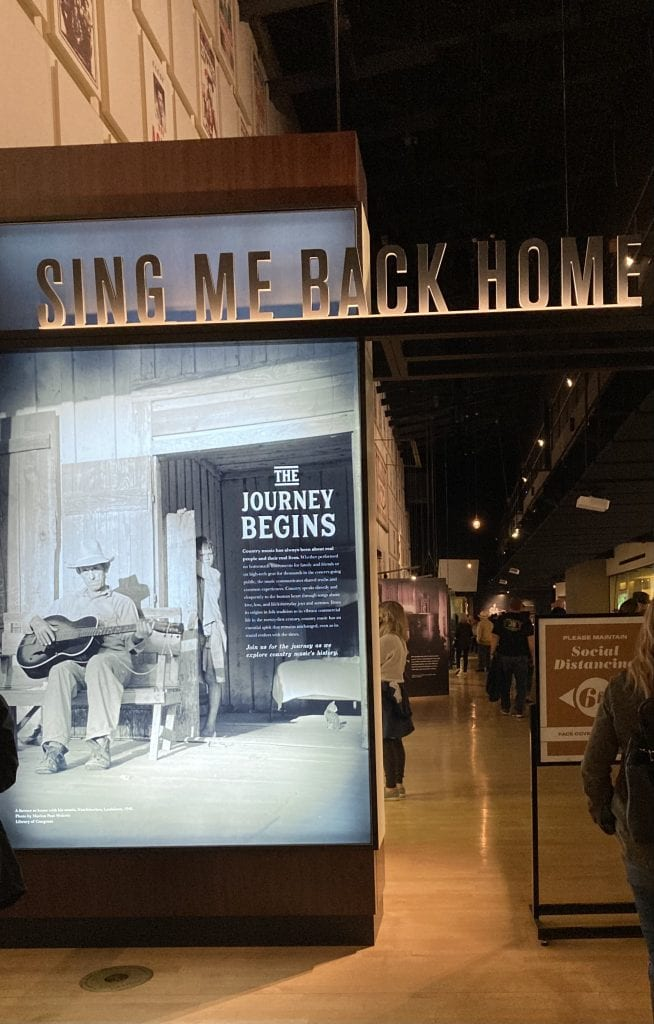 'Sing me back home', start of the Country Music Hall of Fame Museum
